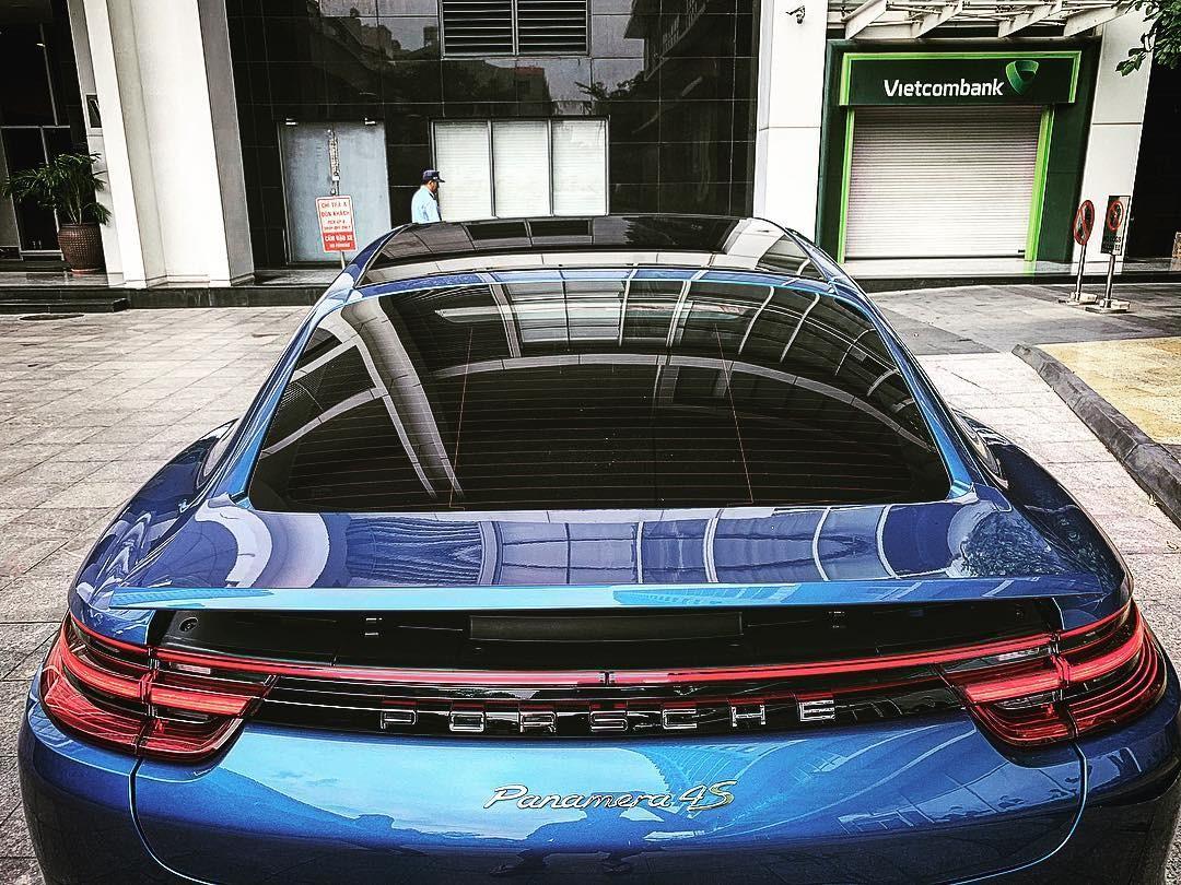 Giá xe Porsche Panamera 4S chính hãng hiện nay là 6.98 tỷ đồng