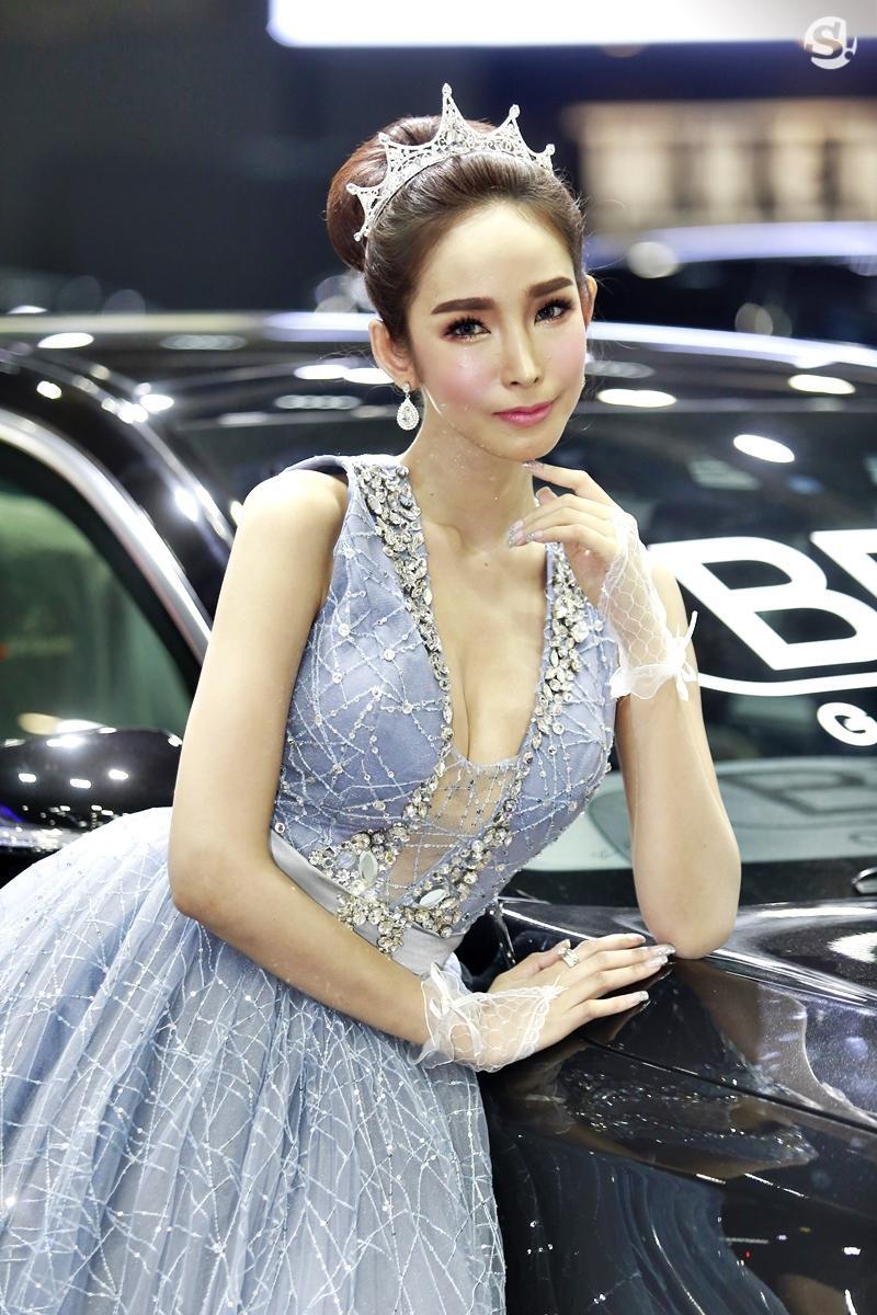 Điểm mặt những người mẫu xinh nhất, quyến rũ nhất Thai Motor Expo 2018 - 19