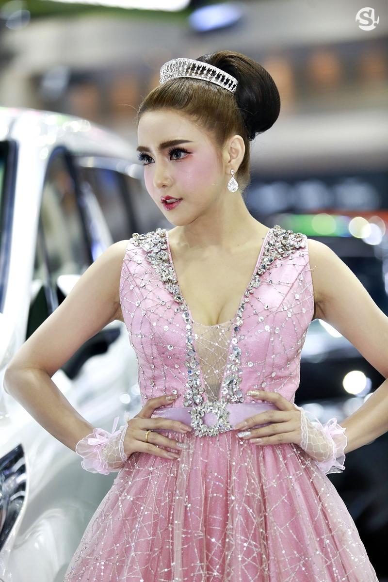 Điểm mặt những người mẫu xinh nhất, quyến rũ nhất Thai Motor Expo 2018 - 22