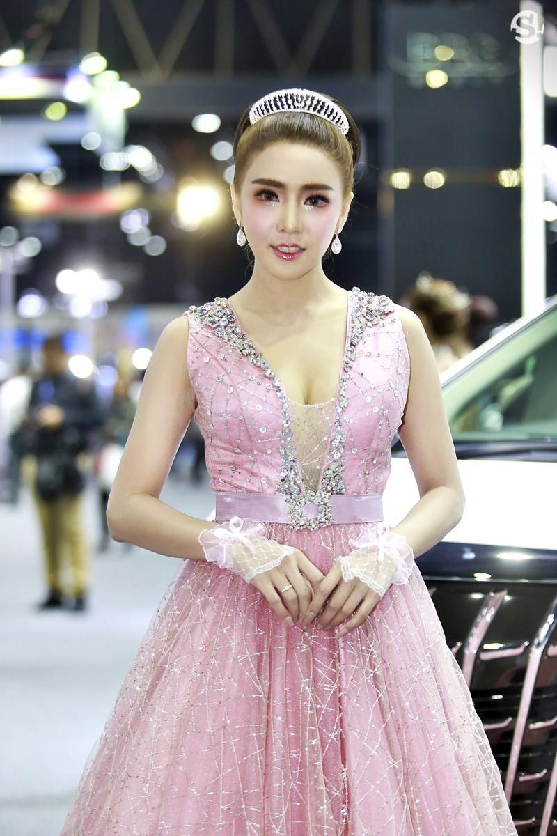 Điểm mặt những người mẫu xinh nhất, quyến rũ nhất Thai Motor Expo 2018 - 20