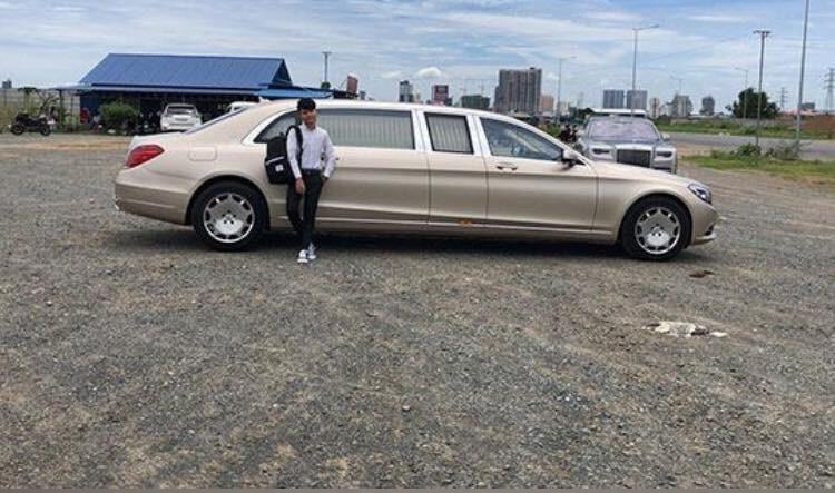 Mercedes-Maybach S600 Pullman và Rolls-Royce Phantom thế hệ thứ 8