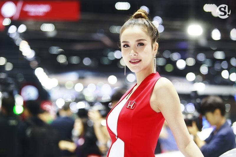 Chùm ảnh tóm gọn những người đẹp quyến rũ ở Thai Motor Expo 2018 - 2