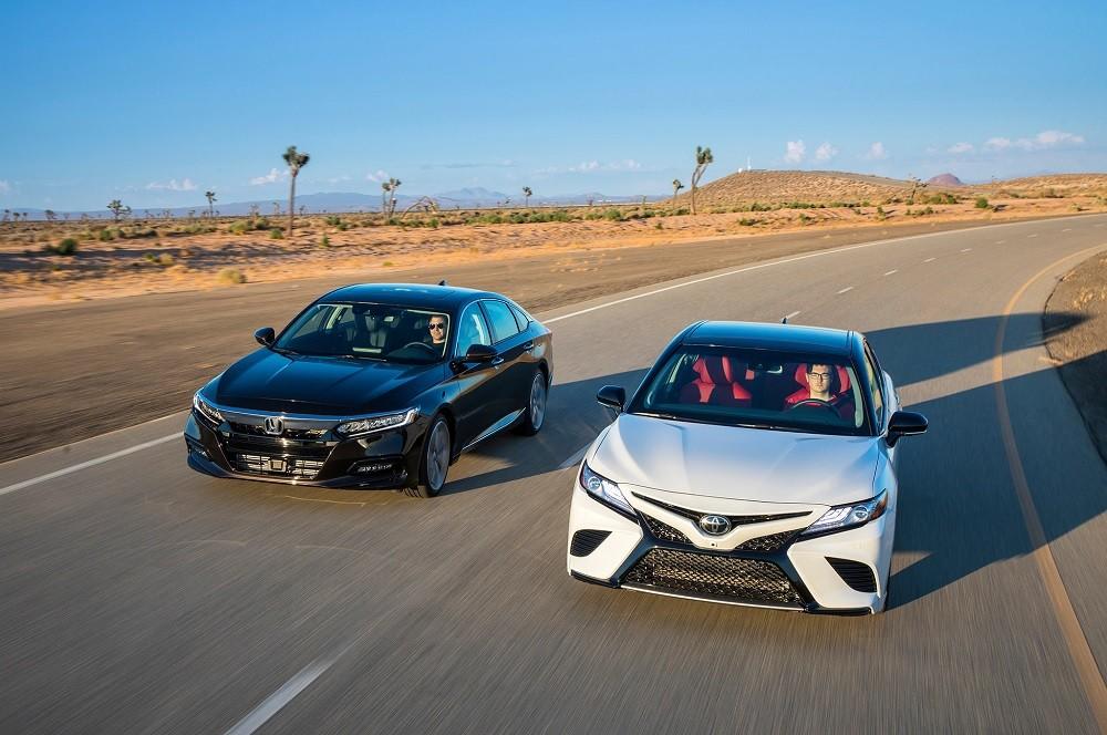 Cả Toyota và Honda đều giảm doanh số trong tháng 11 vừa qua tại Mỹ vì xe sedan đang bị thất sủng