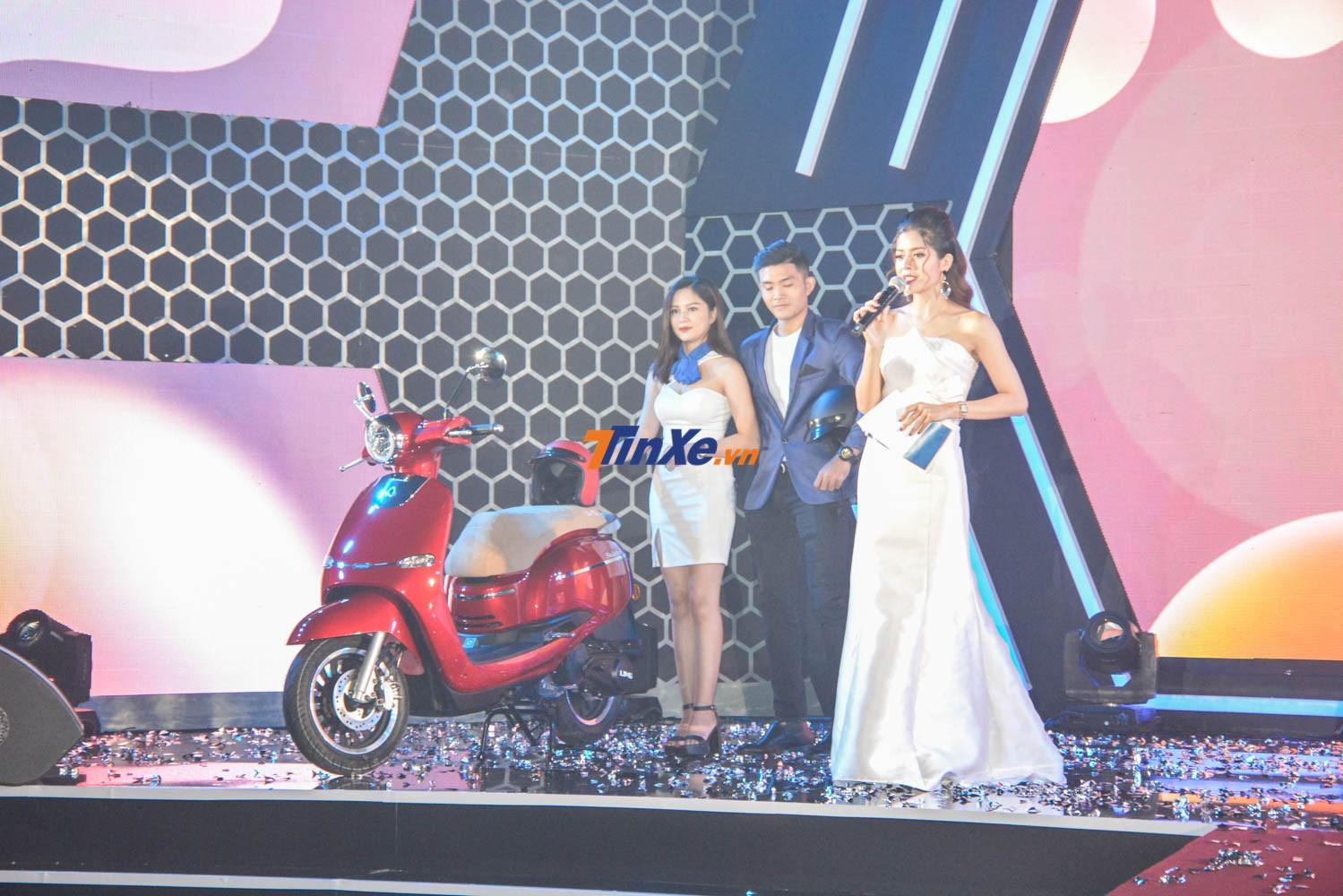 Selena 125cc có giá 32,6 triệu đồng