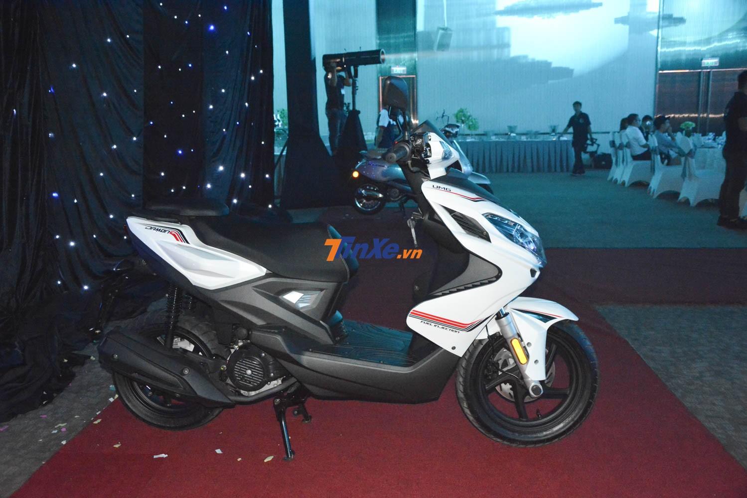 Còn so với Yamaha Acruzo, mẫu xe này có giá cao hơn 1,3 triệu đồng