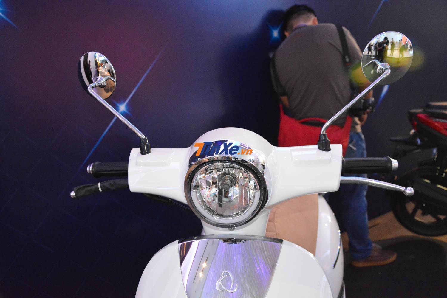 UMG Motor Selena với thiết kế đèn pha đơn giản