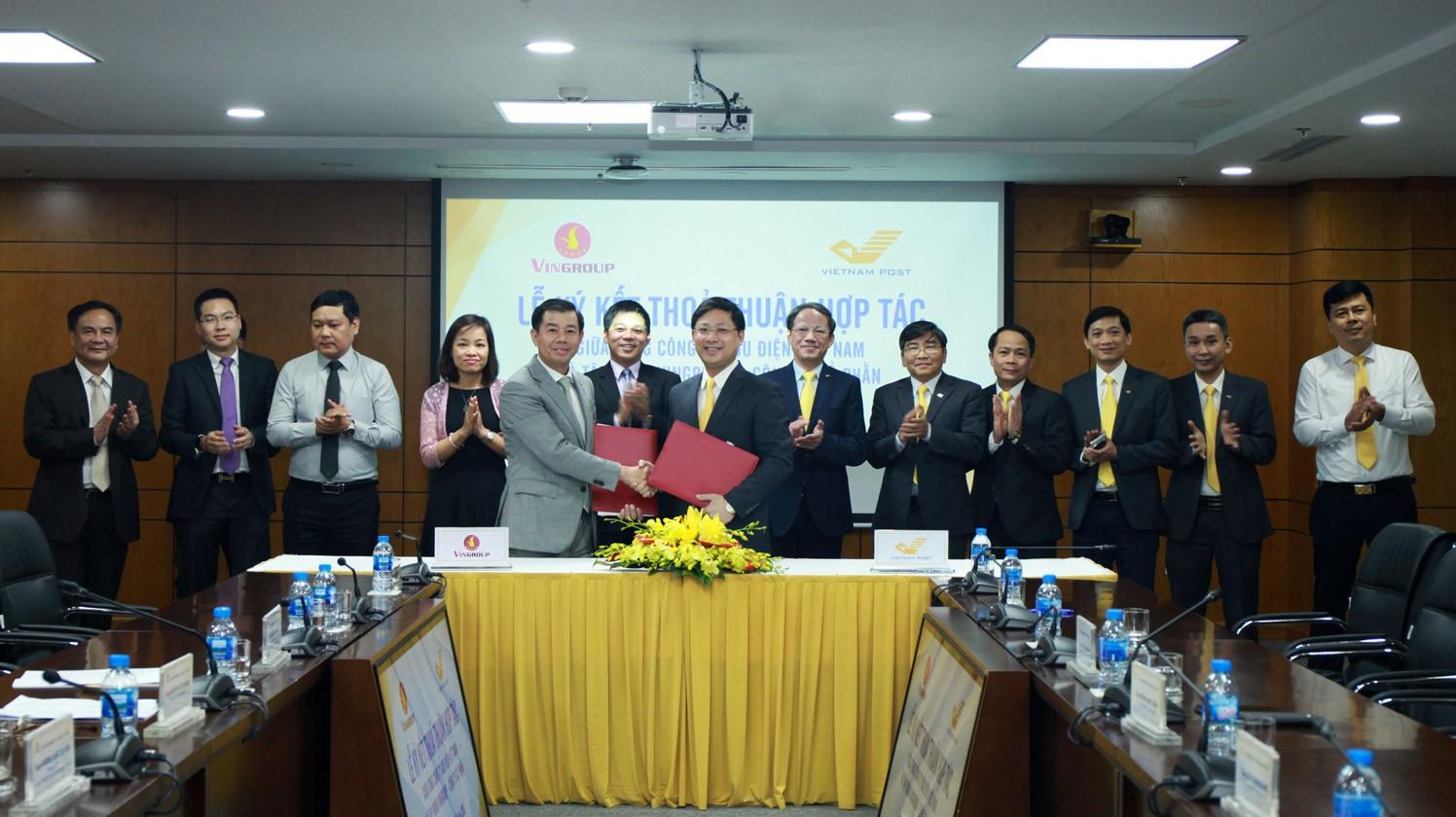Lễ ký kết thỏa thuận hợp tác với VNPOST của Vinfast