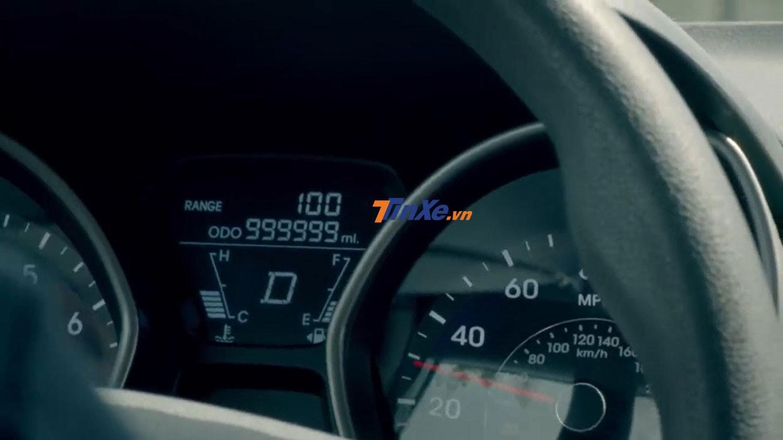 Đồng hồ công-tơ-mét của chiếc Hyundai Elantra đã dừng chạy