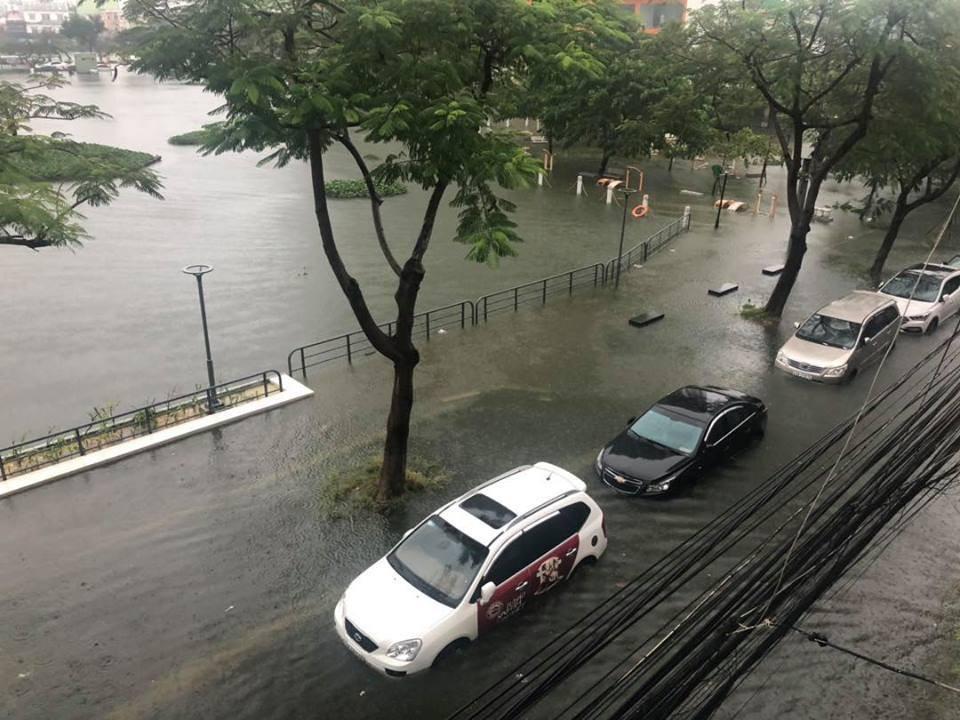 Lượng mưa phổ biến tại Đà Nẵng từ 4-7 giờ sáng nay rơi vào khoảng 300 - 400 mm
