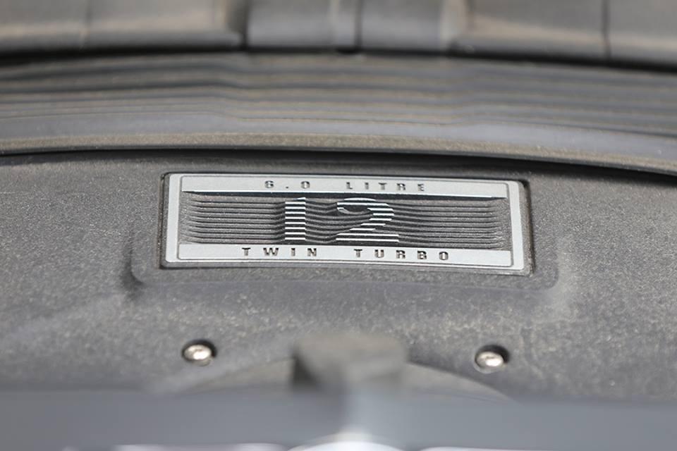 Hệ dẫn động của Bentley Bentayga phiên bản giới hạn First Edition không có gì thay đổi so với bản tiêu chuẩn
