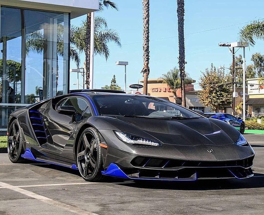 1 trong 20 chiếc Lamborghini Centenario được sản xuất trên toàn thế giới thuộc sở hữu của dan_am_i với bộ áo sợi carbon trần