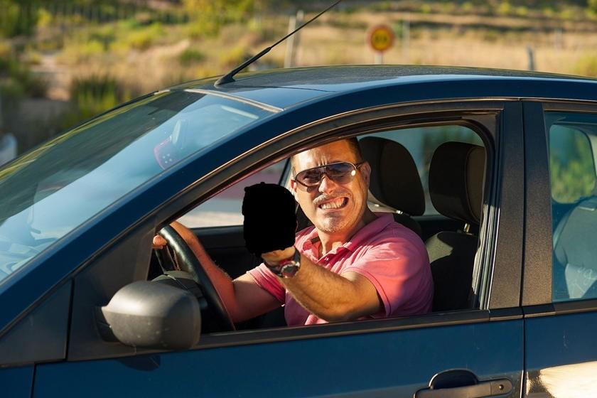 Điểm danh 12 luật lệ giao thông độc và lạ nhất trên thế giới gf