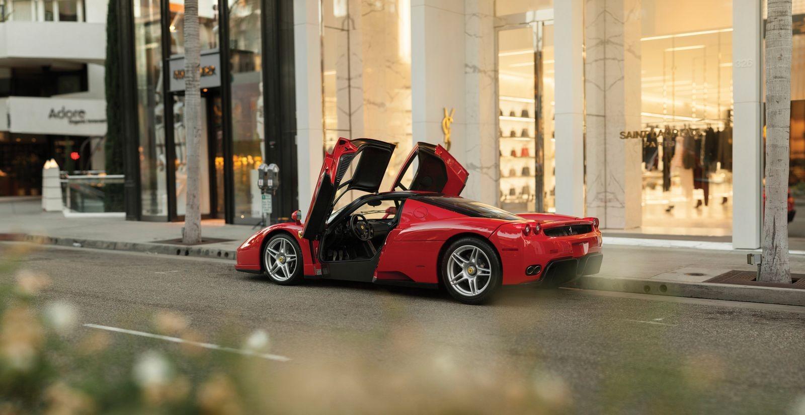 Ferrari Enzo được áp dụng nhiều công nghệ của xe đua F1