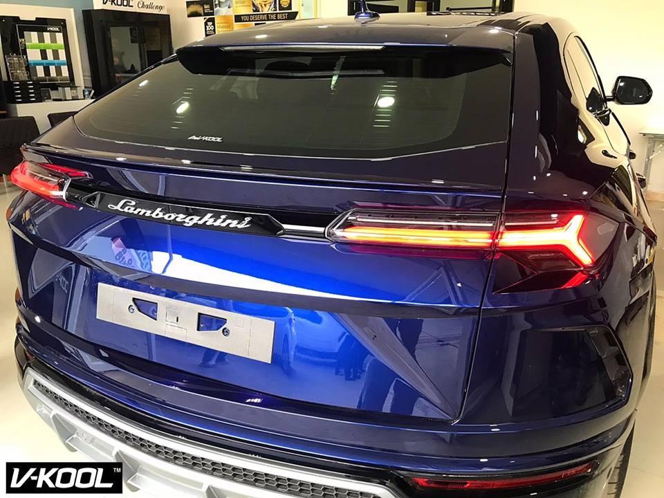 Cụm đèn hậu LED hình chữ Y nằm ngang của Lamborghini Urus