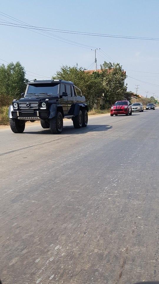 Mercedes-Benz G63 AMG 6x6 chỉ được sản xuất khoảng 2 năm với 100 chiếc được sản xuất trên toàn thế giới