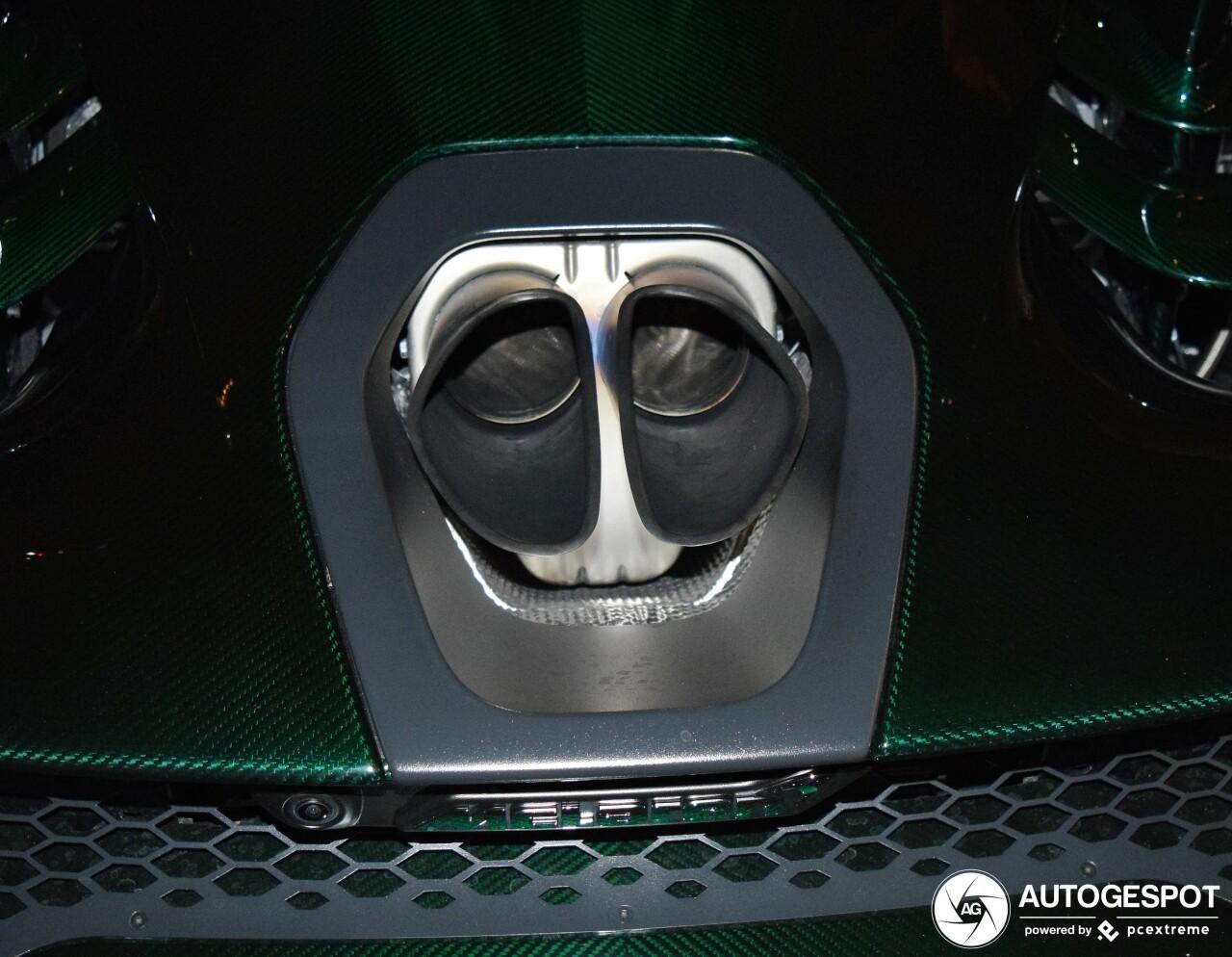 Siêu xe triệu đô McLaren Senna mất khoảng thời gian 2,8 giây để tăng tốc từ vị trí xuất phát lên 100 km/h