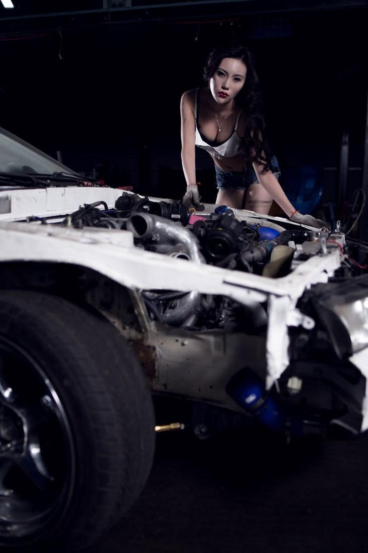 Nuốt nước miếng trước cô thợ sửa xe lấm lem với thân hình đẫy đà chết người - 2