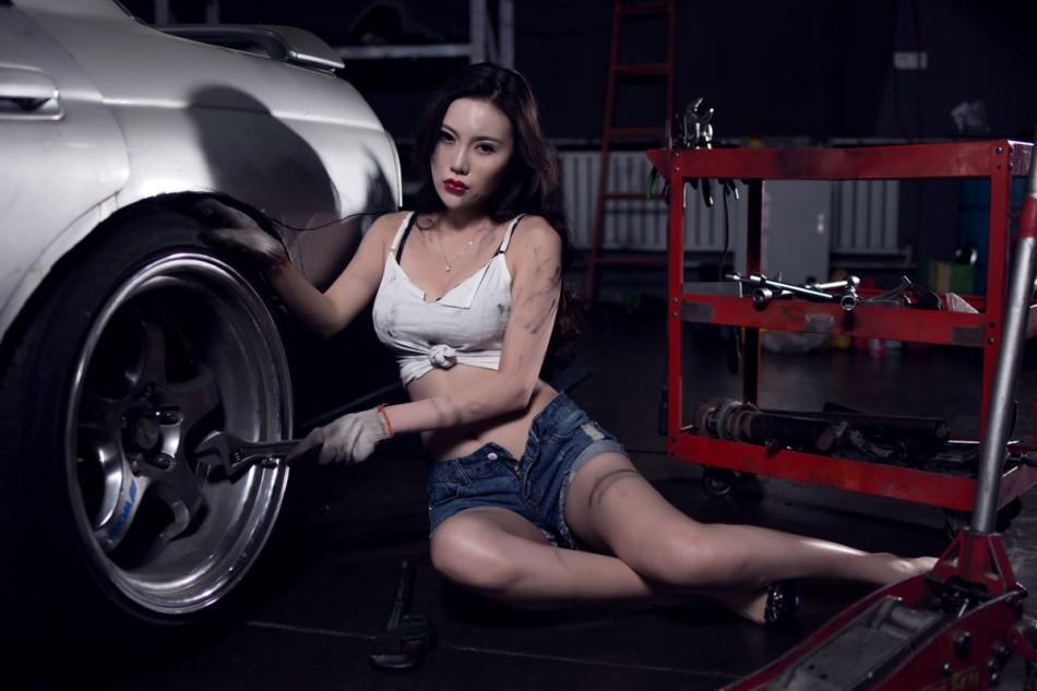 Nuốt nước miếng trước cô thợ sửa xe lấm lem với thân hình đẫy đà chết người - 13