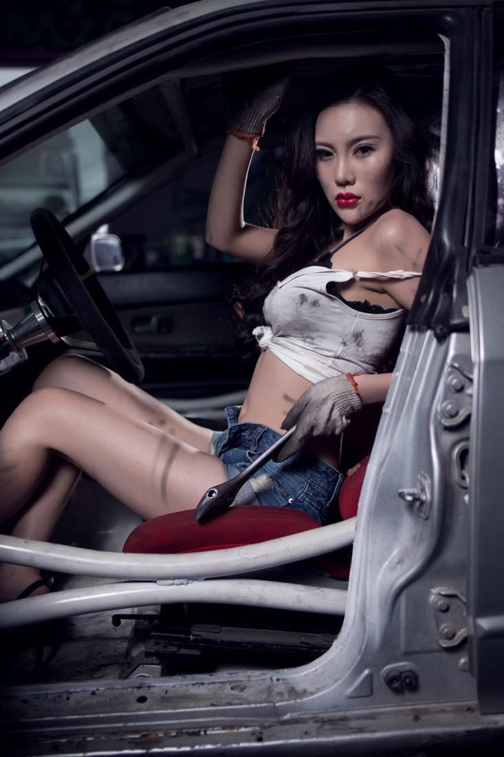 Nuốt nước miếng trước cô thợ sửa xe lấm lem với thân hình đẫy đà chết người - 23