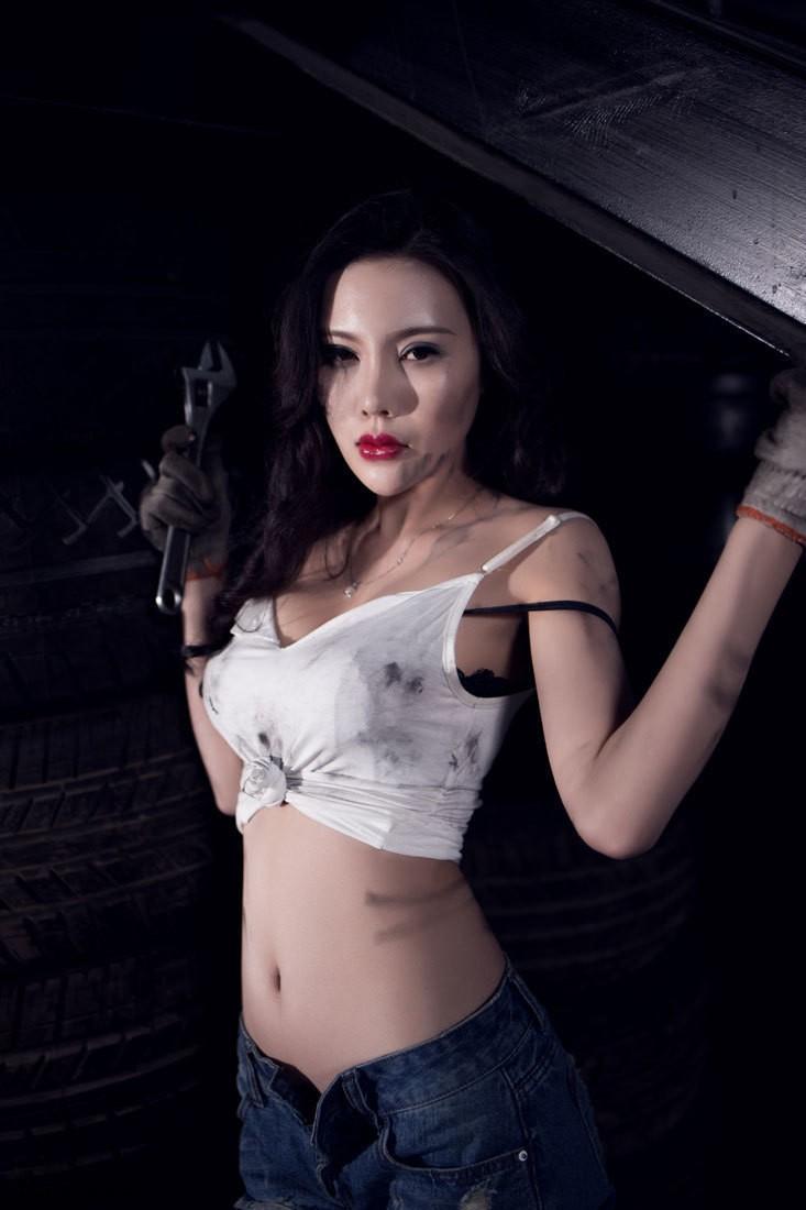 Nuốt nước miếng trước cô thợ sửa xe lấm lem với thân hình đẫy đà chết người - 3