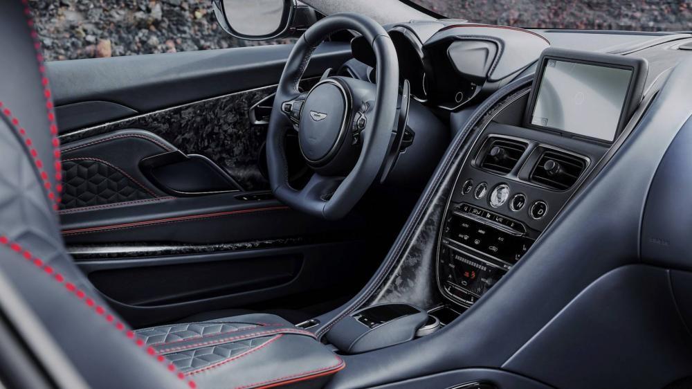 Nội thất bên trong Aston Martin DBS Superleggera 2018