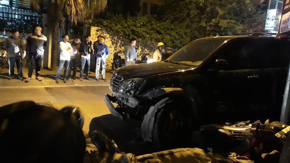 Chiếc Lexus GX tại hiện trường vụ tai nạn