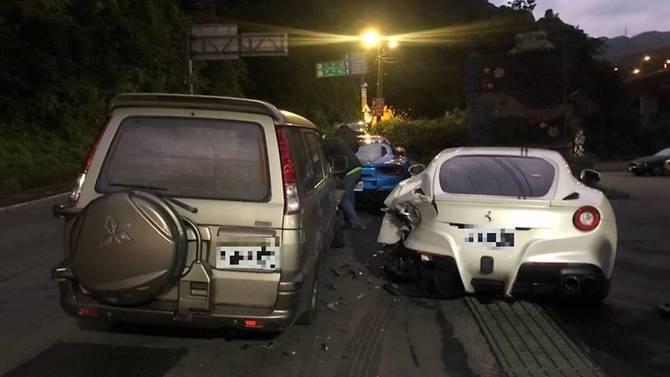 Hiện trường vụ tai nạn kinh hoàng do Lin lái xe tông vào 4 chiếc Ferrari