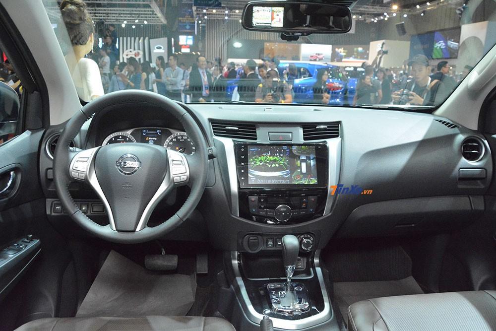 Nissan Terra bản cao cấp nhất có gì đặc biệt mà kênh giá tới hơn 240 triệu đồng so với 2 phiên bản còn lại?
