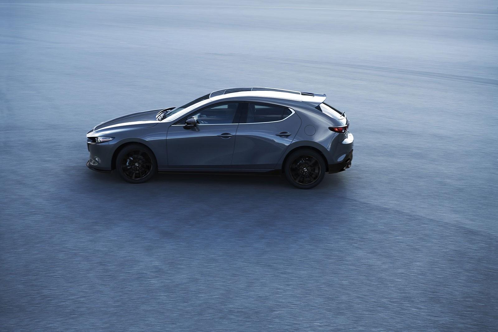 Mazda3 Custom Style 2019 còn thay đổi nhẹ trong nội thất
