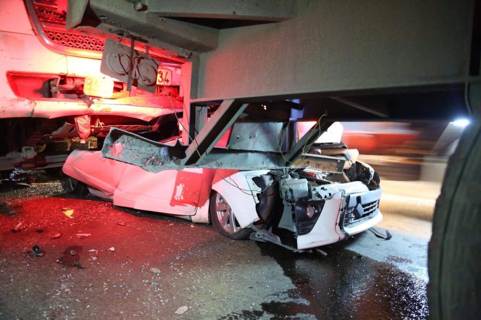 Hiện trường vụ tai nạn trên cầu Phú Mỹ