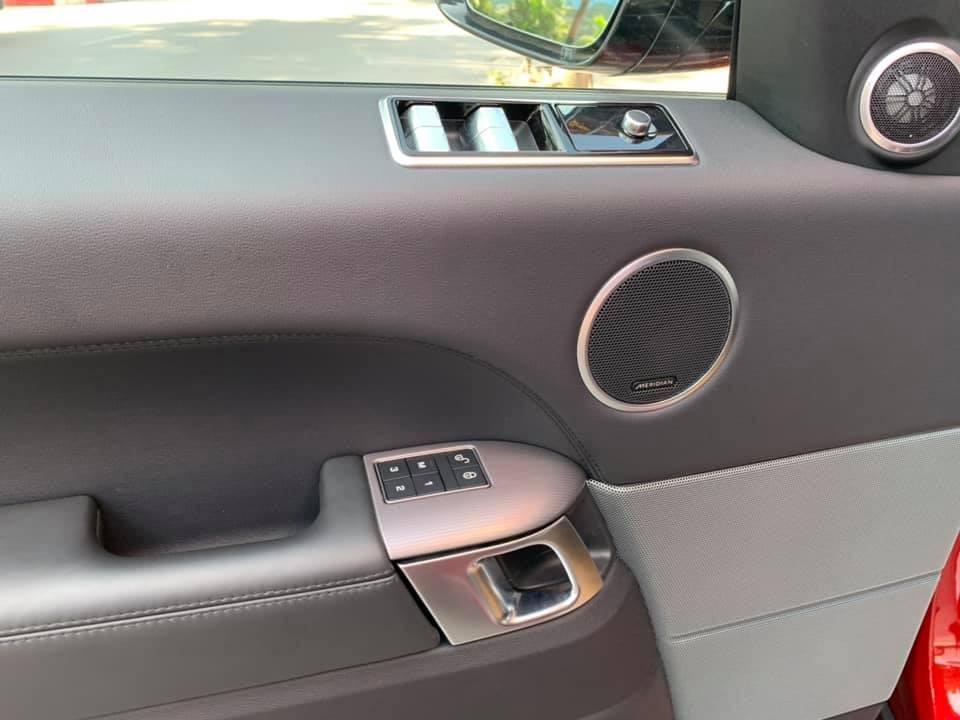 Hệ thống âm thanh trên Range Rover Sport HSE đời 2018 đầu tiên tại Việt Nam là của Meridian