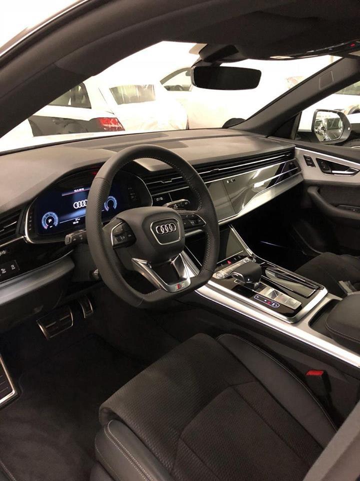 Nội thất Audi Q8 2019 cập bến Campuchia