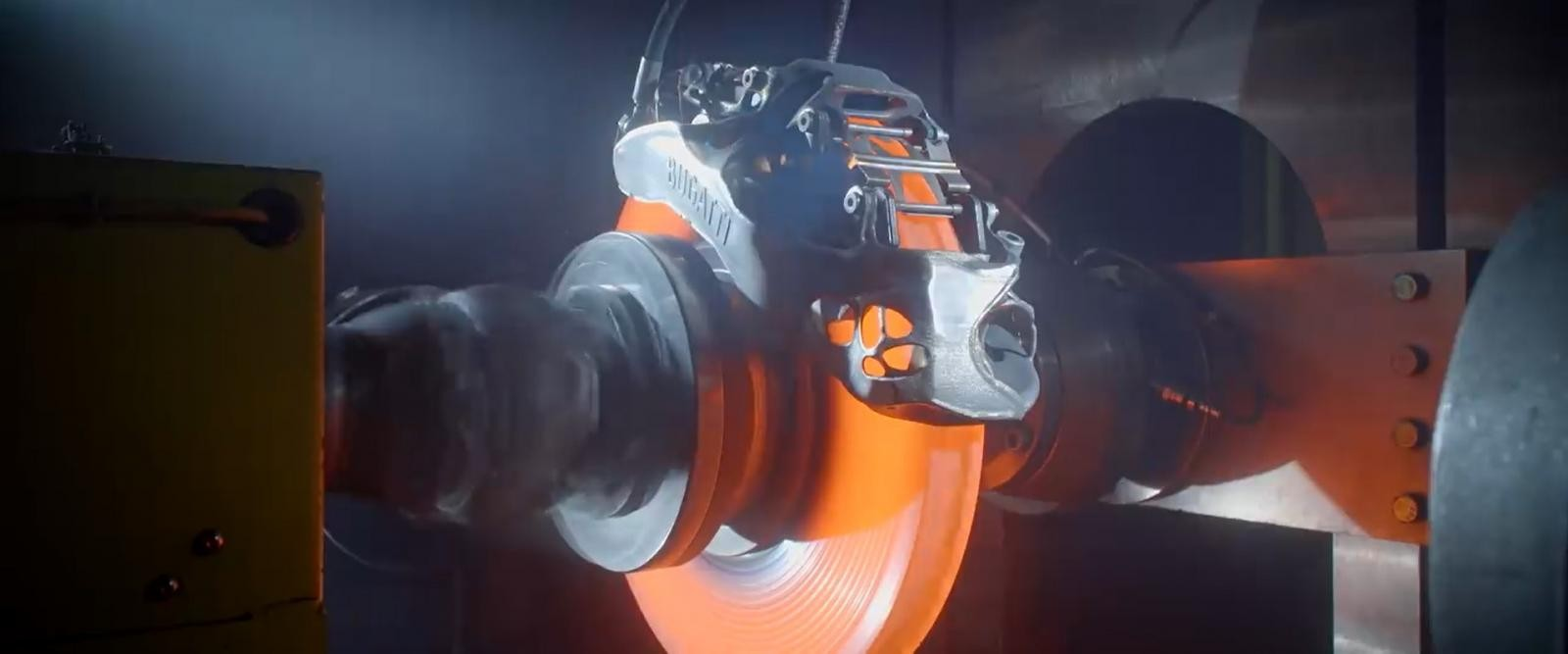 Cùm phanh in 3D bị nung nóng của siêu xe Bugatti Chiron