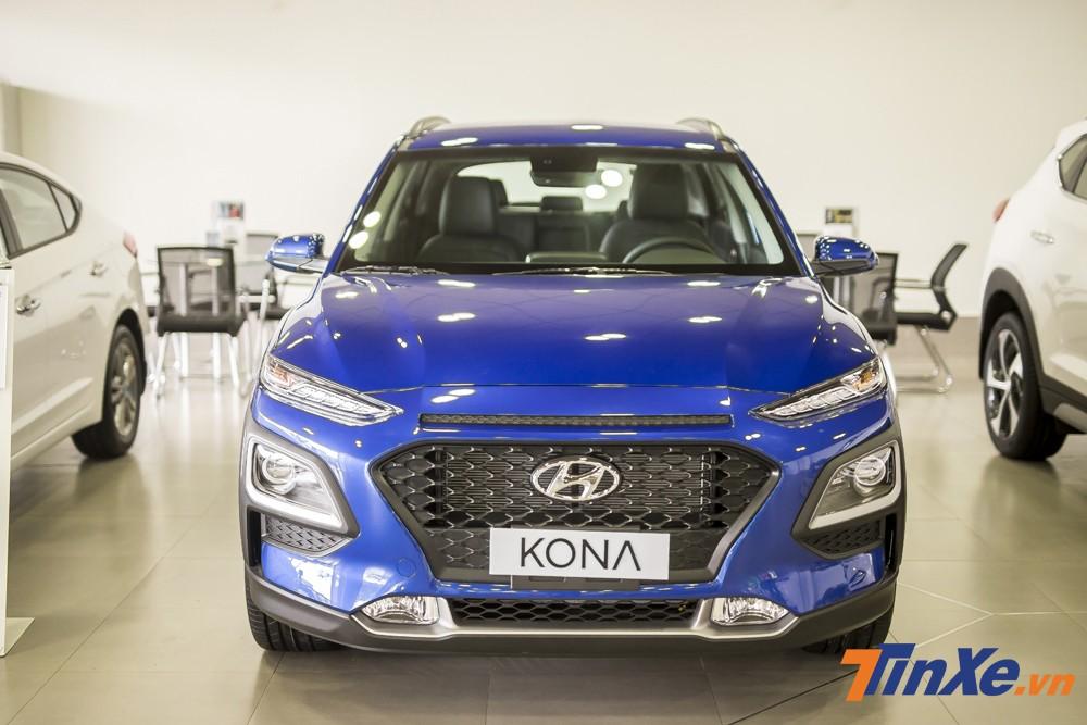 Hyundai Kona còn ghi điểm với hệ thống an toàn rất đồng đều giữa các phiên bản.