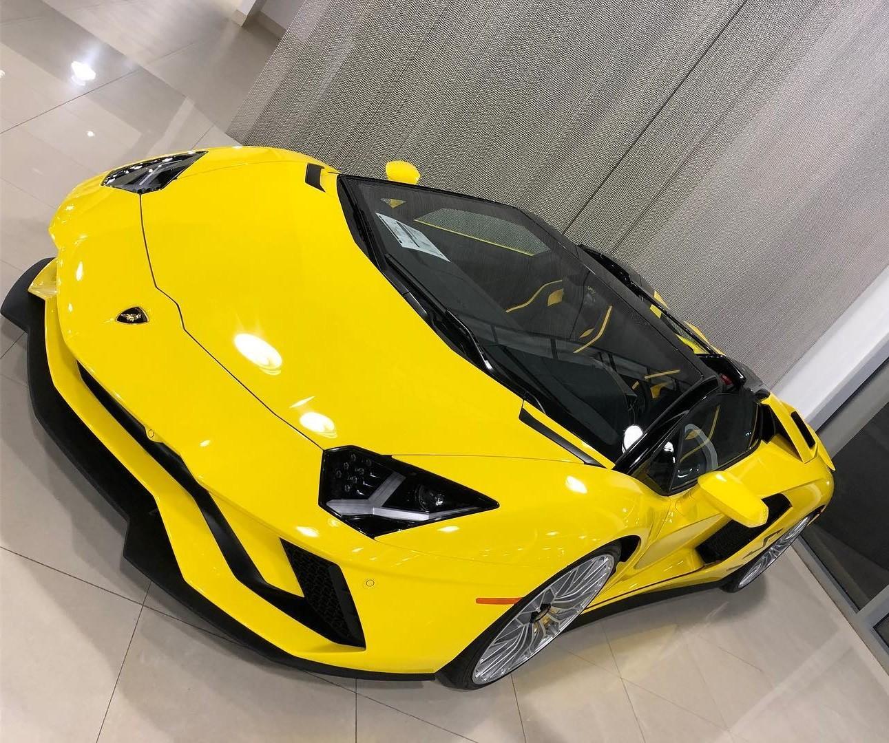 Lamborghini Aventador S chỉ là một trong số những chiếc siêu xe của 50 Cent