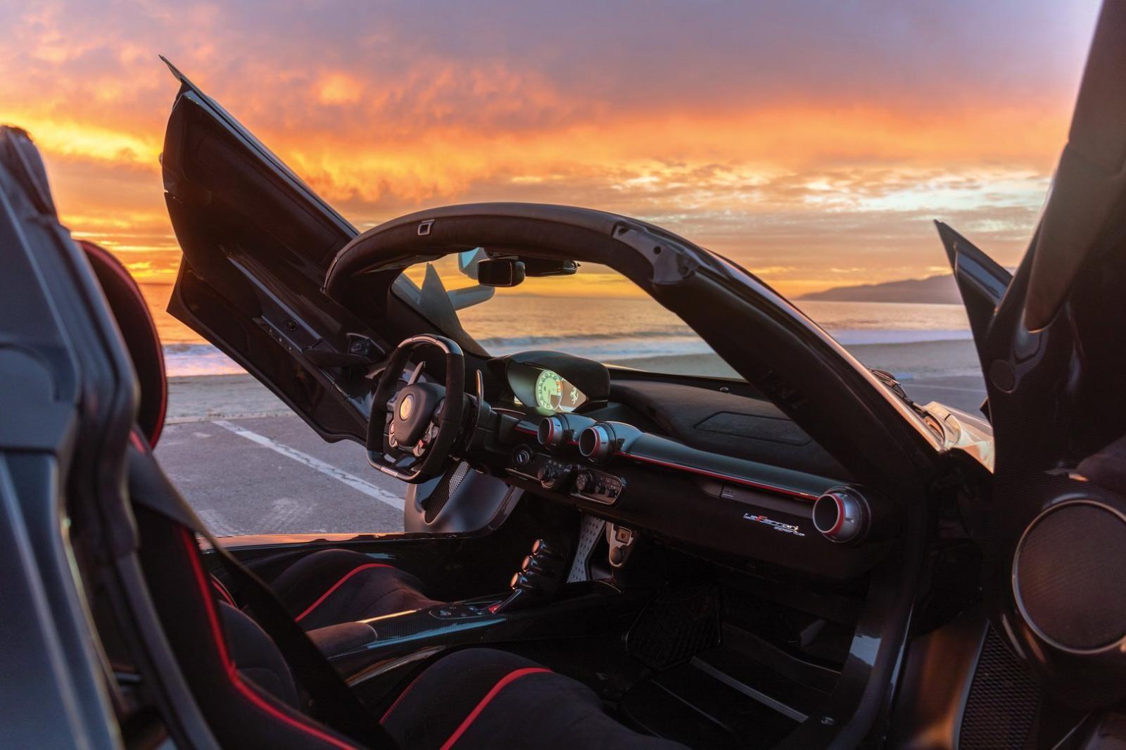 Nội thất Ferrari LaFerrari Aperta chuẩn bị rao bán