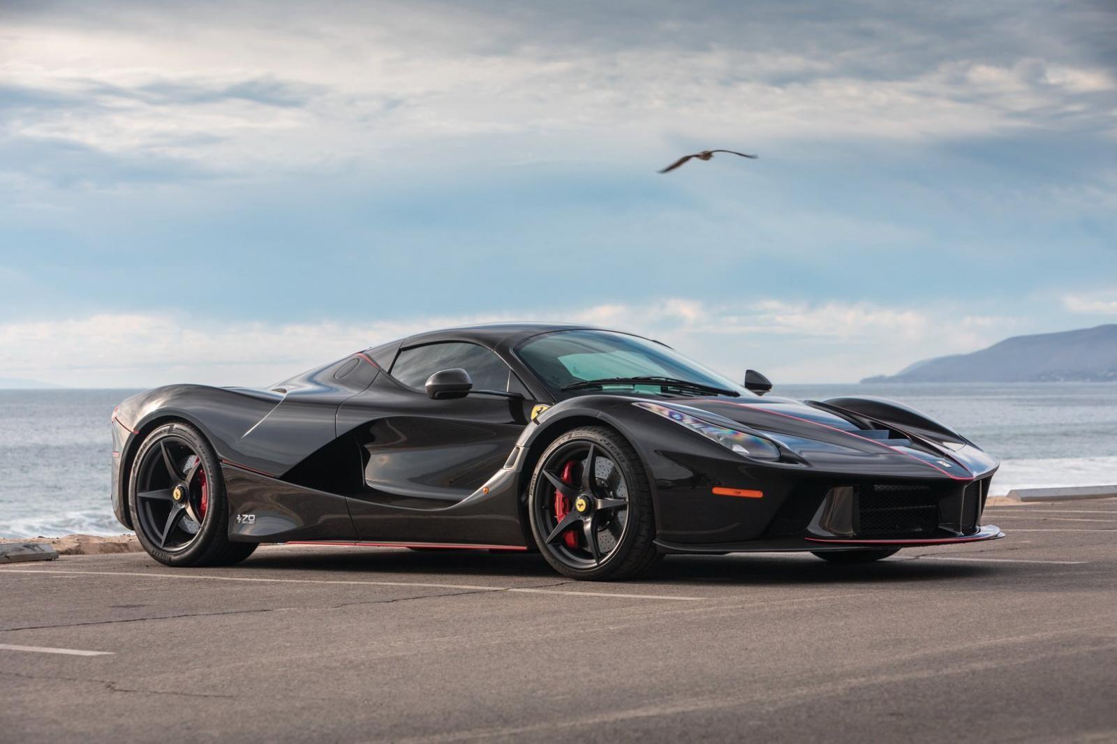 9 chiếc dành cho hãng Ferrari trưng bày ở các sự kiện 70 năm của hãng và 1 chiếc được đấu giá