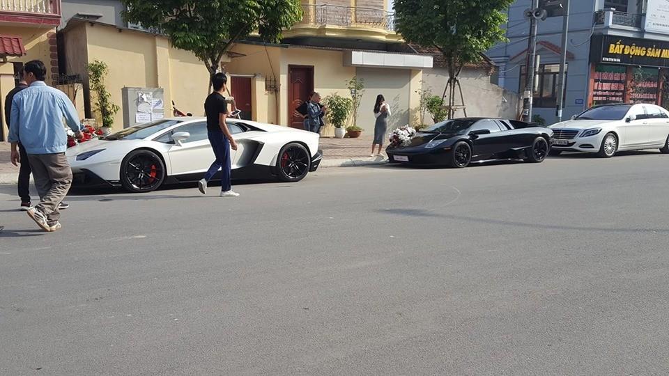 2 chiếc siêu xe Lamborghini tham dự đám cưới siêu xa xỉ tại Hà Nội vào hôm qua