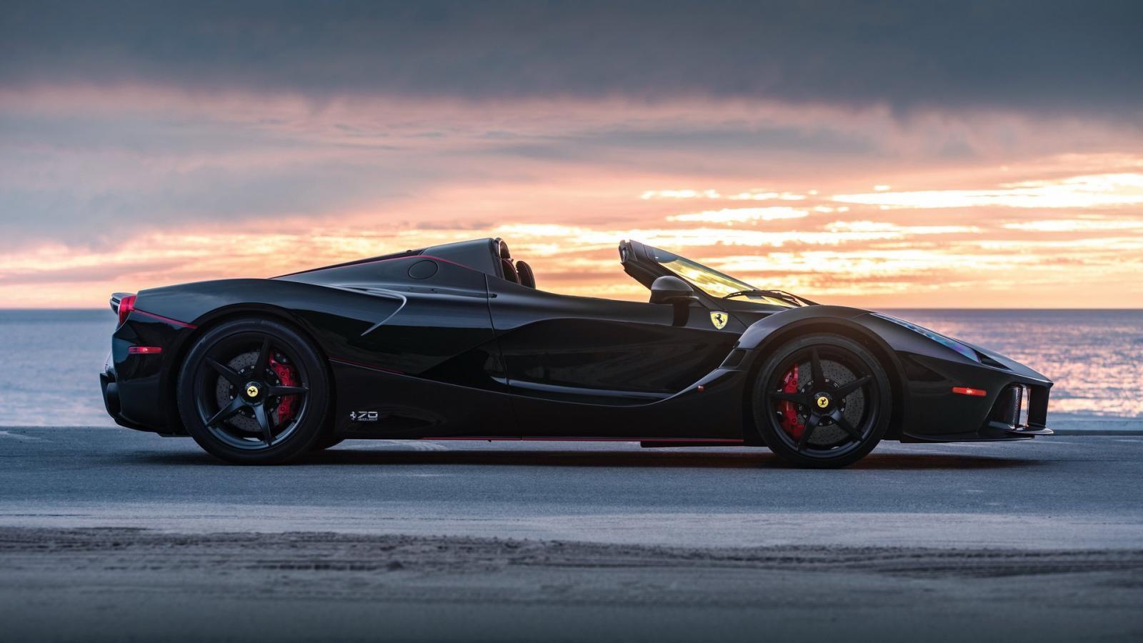 Không phải ai cũng có may mắn để mua Ferrari LaFerrari Aperta chỉ có 210 chiếc được sản xuất