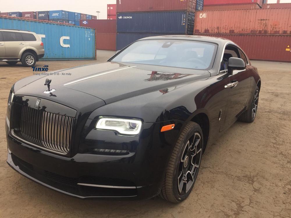 Rolls-Royce Wraith Black Badge đầu tiên tại Việt Nam