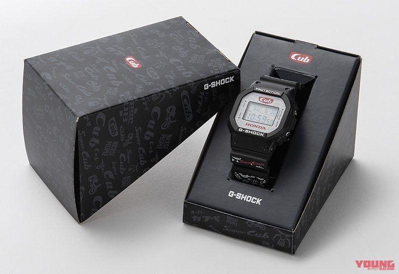 Casio G-Shock phiên bản kỉ niệm Honda Super Cub được đặt trong hộp khá đẹp và đặc biệt