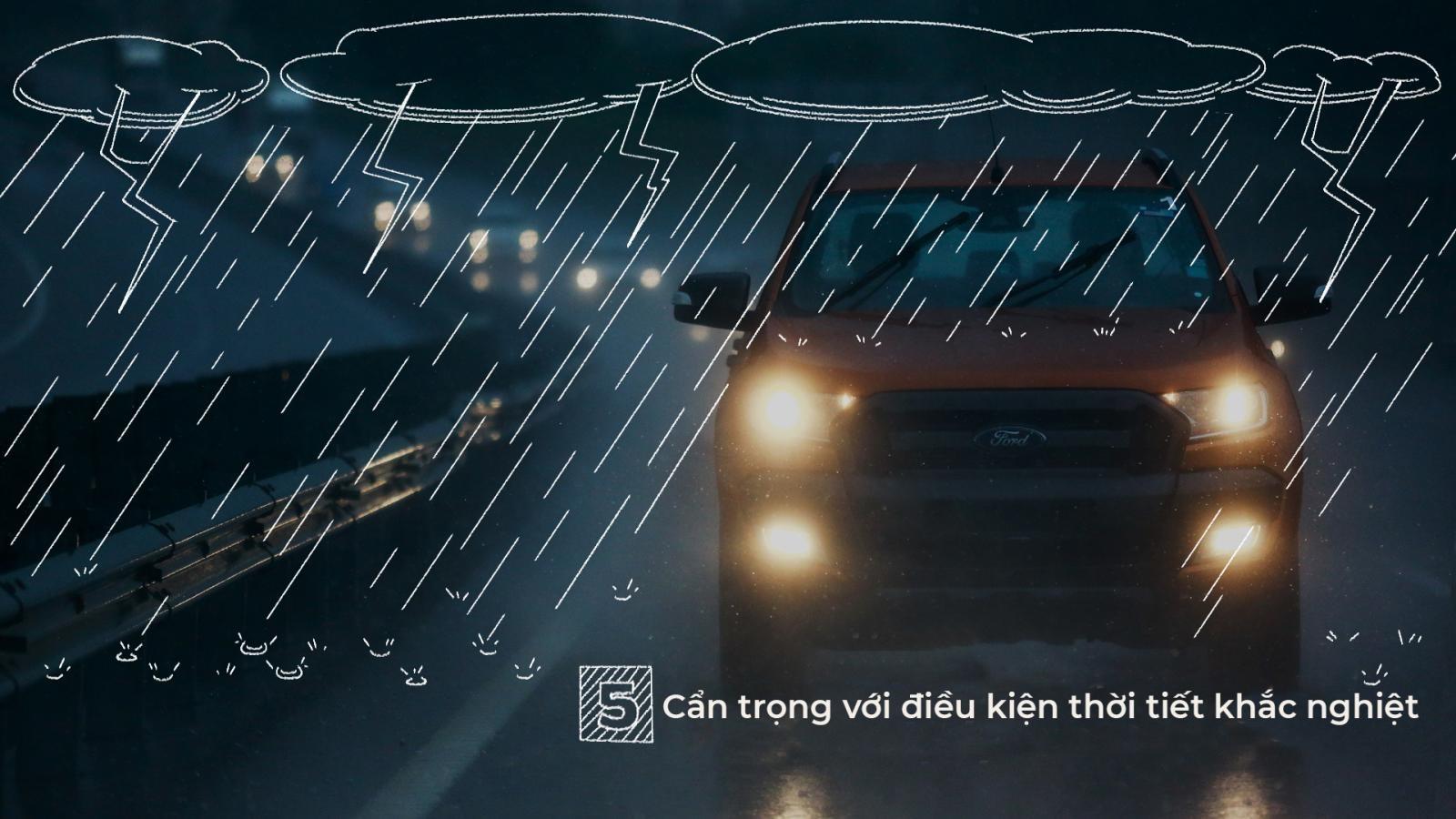 Thời tiết thay đổi khiến lái xe cũng cần phải luôn thích ứng cách lái cho phù hợp.
