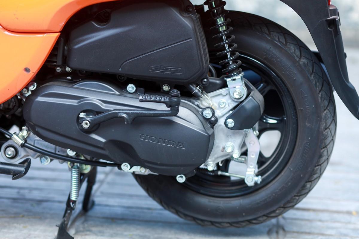 Động cơ eSP 50cc của Honda trên Yamaha Vino
