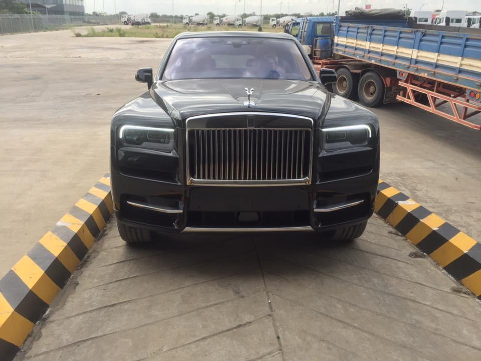Rolls-Royce mang đến cho Cullinan tất cả 2 lựa chọn là phiên bản 5 chỗ ngồi và bản 4 chỗ ngồi