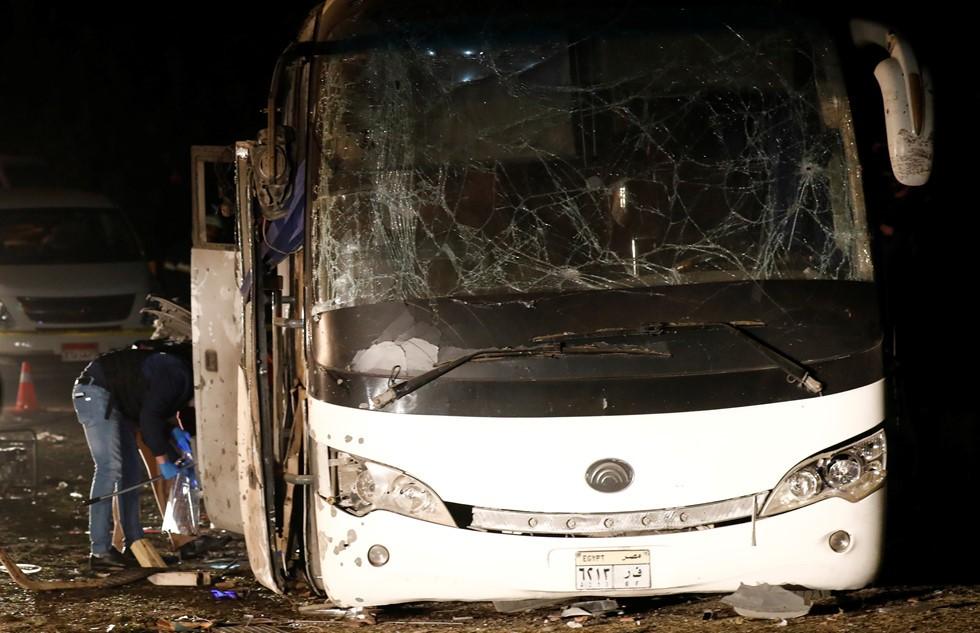 Hiện trường vụ đánh bom xe buýt chở du khách Việt Nam tại Ai Cập
