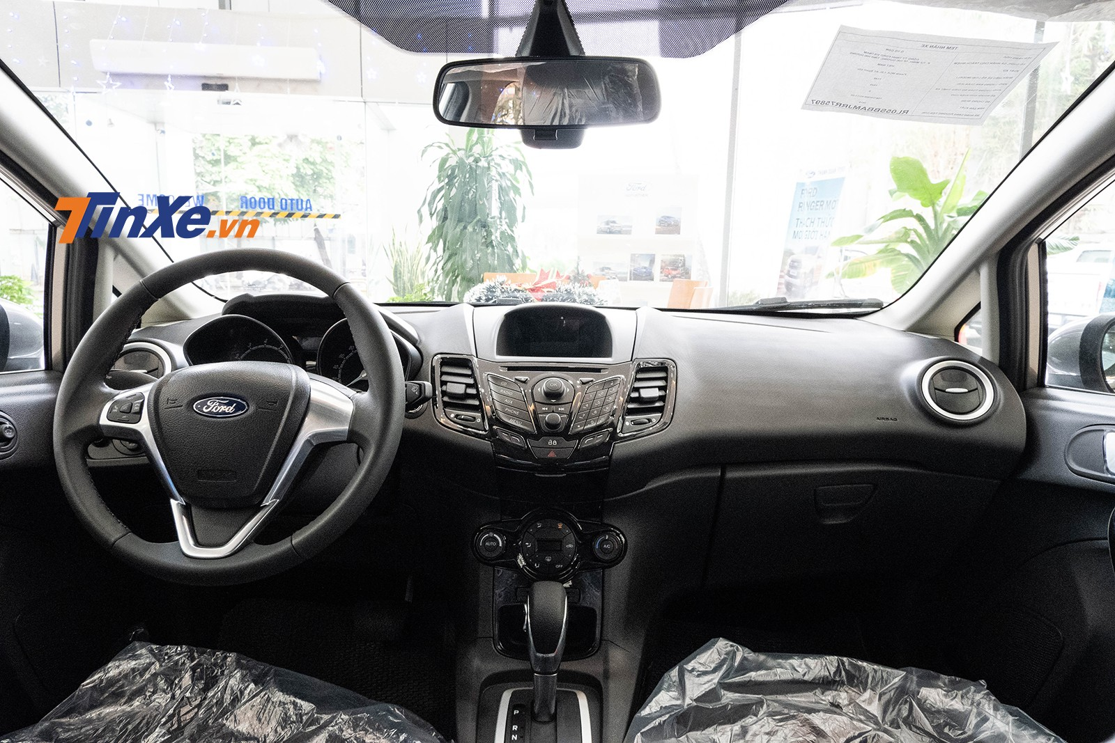 Nội thất của Ford Fiesta khá cơ bản trong phân khúc