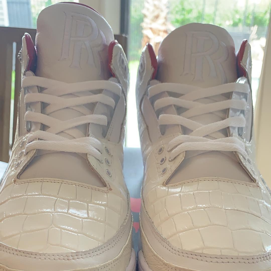 Đôi giày Air Jordan 3 của cầu thủ bóng rổ người Mỹ