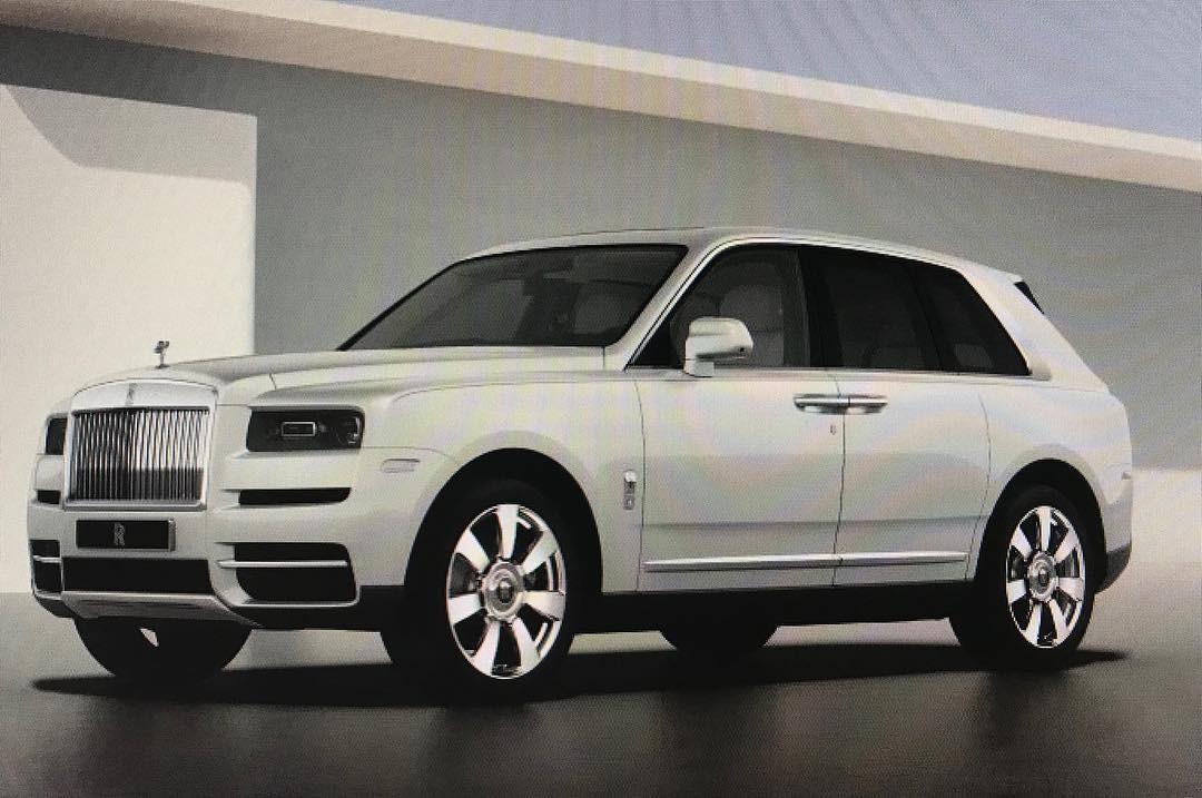 Chiếc Rolls-Royce Cullinan màu trắng của Tucker