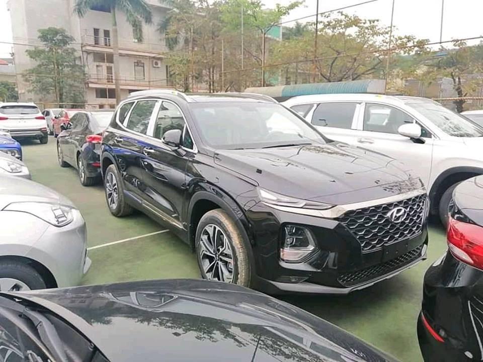 Những chiếc Hyundai Santa Fe 2019 này không được trang bị camera 360 độ