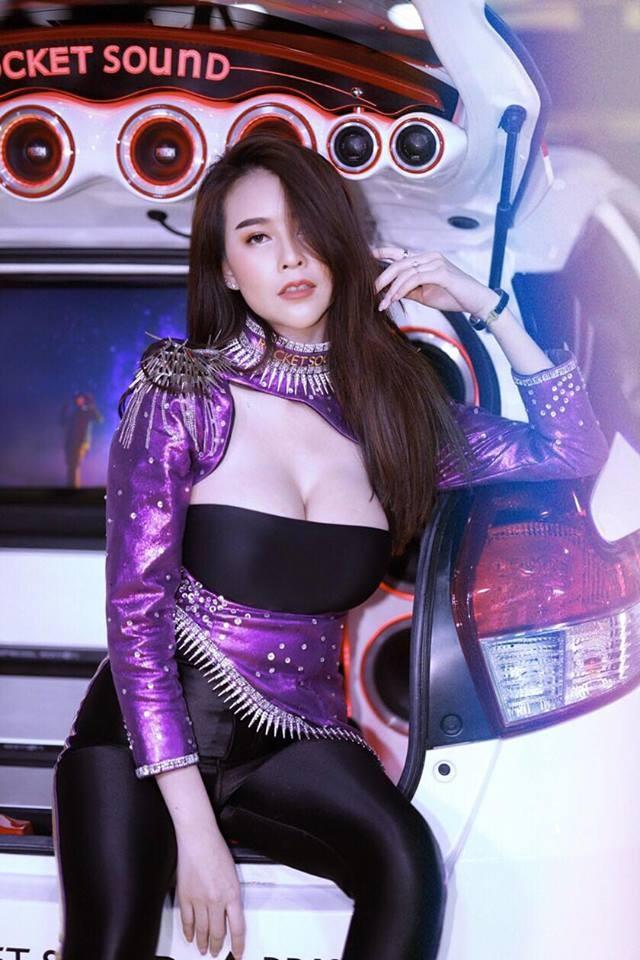 Người mẫu Thái Lan khoe ngực siêu khủng khiến mọi đàn ông phải liếc nhìn - 5